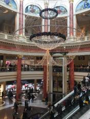...und noch einer. Ein riesiges Einkaufszentrum.