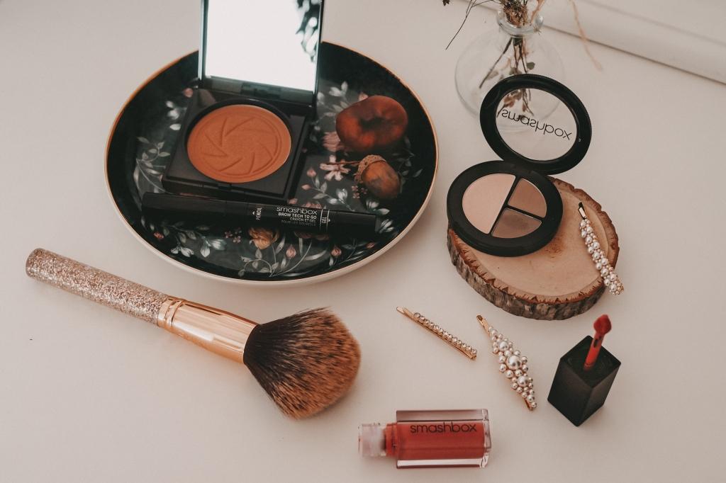 Verschiedene Make-up Produkte von Smashbox
